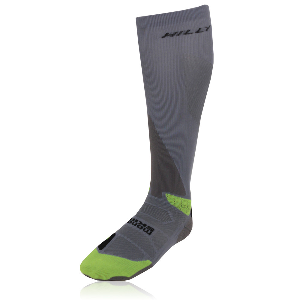 Knee highs are hosiery that cover the feet and legs up to the knee. A fashion accessory for a casual and classic cool or warm weather apparel. [1] Typically worn by women in many societies, they are sometimes worn with modern semi-formal attire.